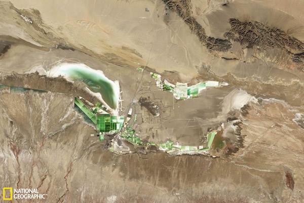 中国古老的察尔汗盐湖