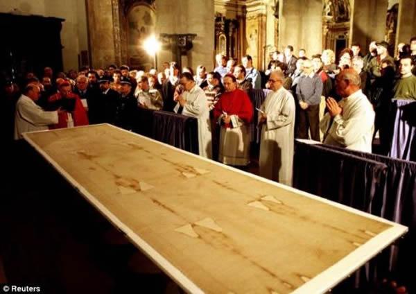意大利都灵理工大学研究小组:都灵裹尸布并非伪造
