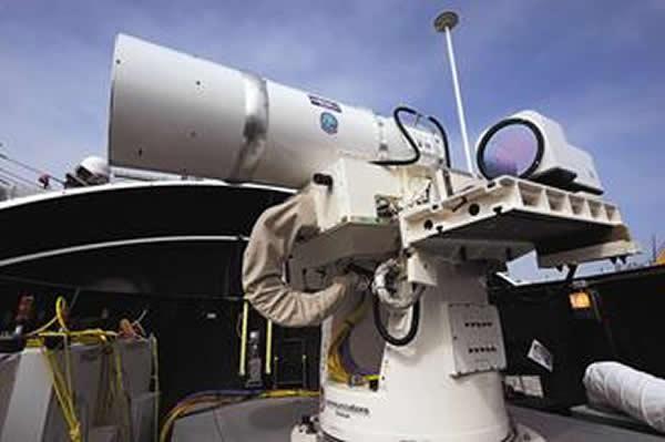 """美军新式激光武器今年夏天将被部署在美国海军军舰""""庞塞号""""上"""