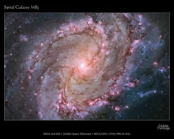 从哈勃太空望远镜看到的螺旋星系M83