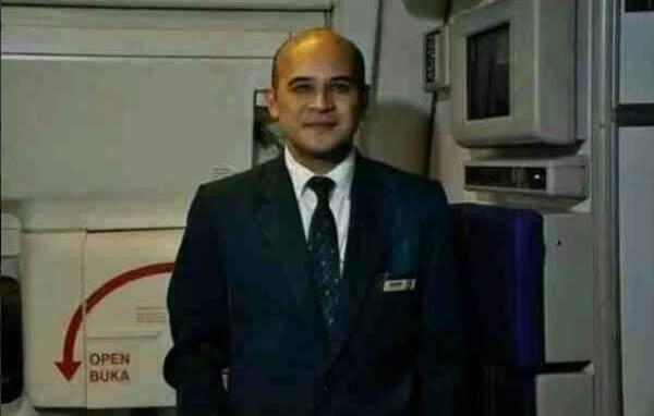 马航失踪客机49岁机组人员纳里(Andrew Nari)的女儿在事发后,多次于社群网站推特(Twitter)PO文希望爸爸快点回家。