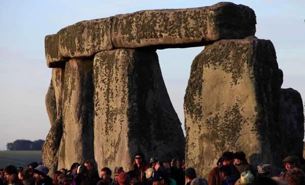"""巨石阵或许是一个巨大的乐器""""钟琴"""""""