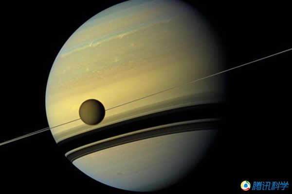 科学家认为土卫六表面很可能存在诸如岛屿、河道等结构