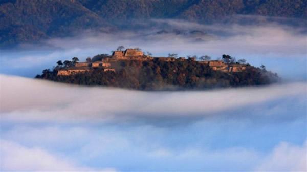 """日本武田城堡:现实中的\""""天空之城\"""""""