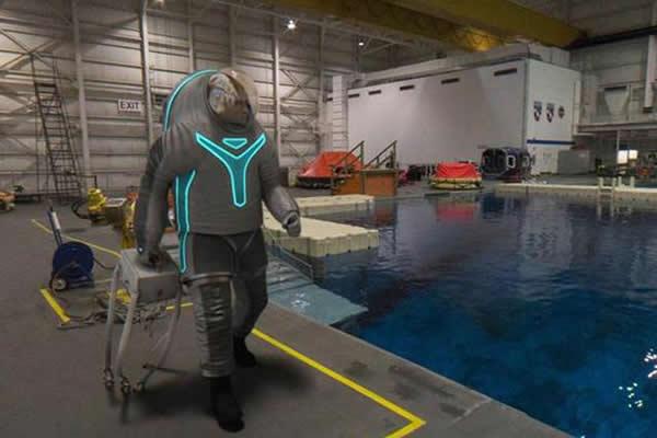 Z-2宇航服不同于巴斯光年的设计