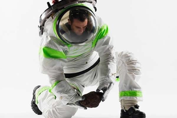 2012年公布的巴斯光年宇航服