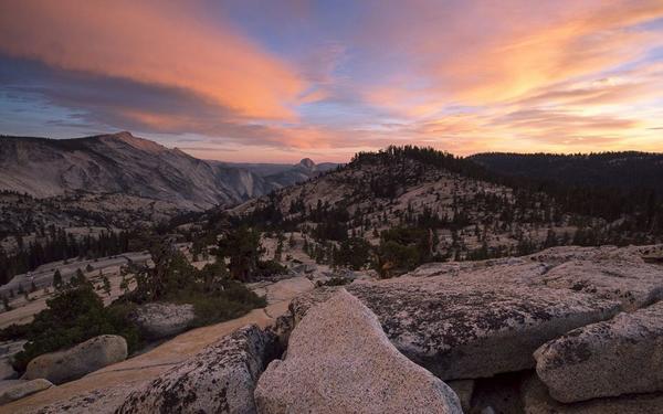 摄影师延时摄影拍美国优胜美地国家公园