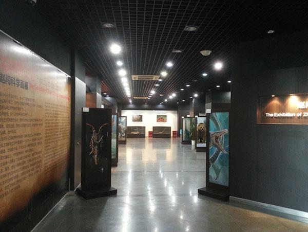 """""""地球赞美诗――赵闯科学画展""""在中国古动物馆开展"""