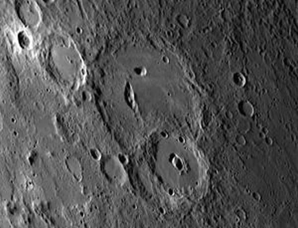 水星地表的火山灰沉积物