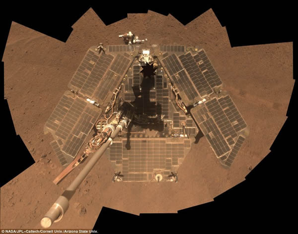 """在火星的第六个冬天:""""清洁后""""的图片显示闪亮的太阳能电池板重新恢复了最佳性能。"""