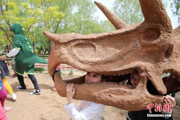 """太原市动物园""""恐龙学院"""""""