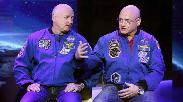美国宇航局一对孪生兄弟宇航员为太空之旅做准备工作