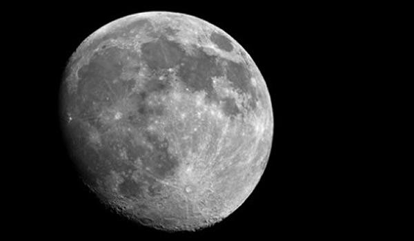俄罗斯宇航员首批登月考察、建立永久性月球基地计划将在2030年实施
