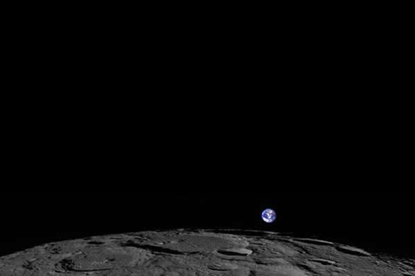 """月球勘测轨道器拍摄的""""日本 漫画 孩子能看的地出"""""""
