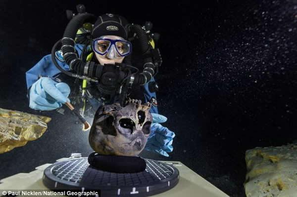 墨西哥海底洞穴中1.3万年前冰河时期少女头骨化石揭示最早的美洲人