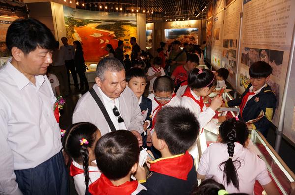 """南京古生物博物馆""""化石见证青藏高原隆起"""""""