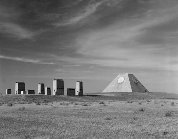 北达科他州神秘金字塔曾是美国导弹防御基地一部分