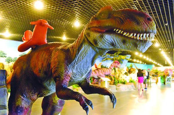 """昌吉恐龙馆重磅打造""""侏罗纪""""恐龙化石展"""