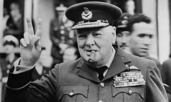 新书披露邱吉尔为防福克兰群岛被入侵,派重兵驻当地。