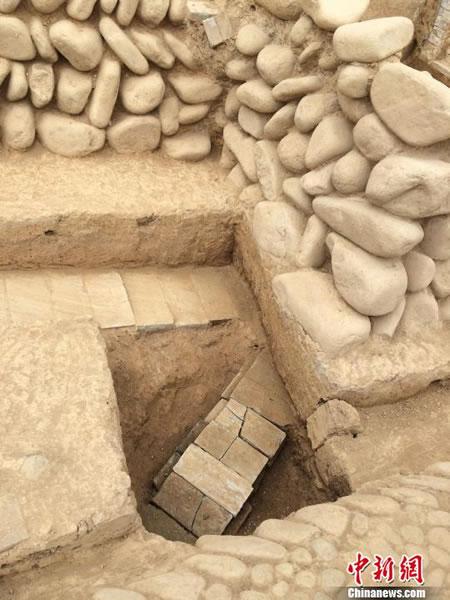 浙江杭州临安的将军山南麓出土南宋洪起畏夫妇墓