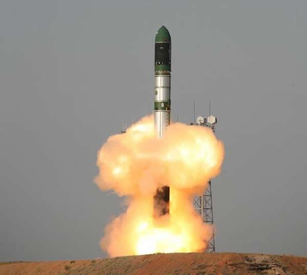 """资料图:使用洲际导弹改装而成的""""第聂伯""""运载火箭"""