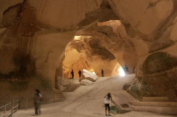 """以色列""""城市之下的城市""""之称的贝特古夫林国家公园人工洞穴列入世界遗产"""