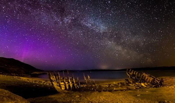 苏格兰塔勒明湾没有光污染,成为理想的天文摄影基地(作者:Maciej Winiarczyk)