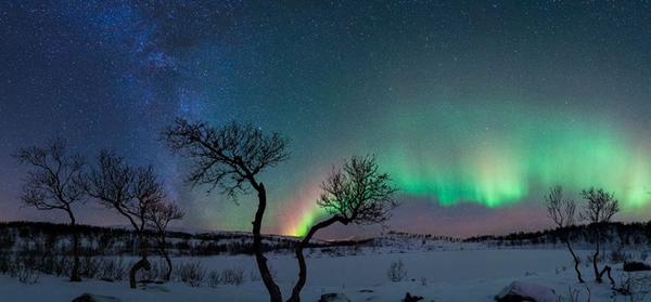 摄影师记录下令人惊叹的北极光(作者:Rune Johan Engeboe)