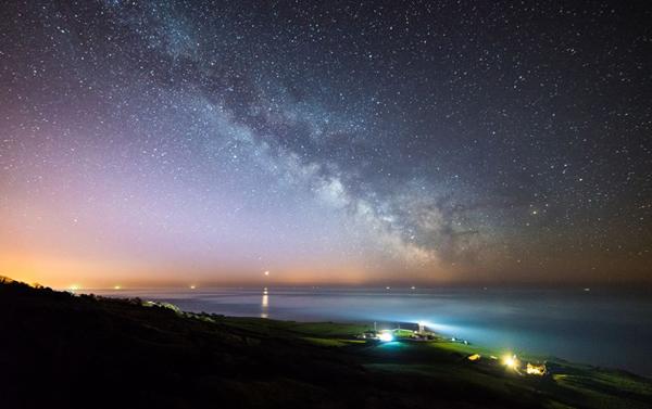 英国举办夜空摄影大赛,展示震撼奇景照片(作者:Ainsley Bennett)