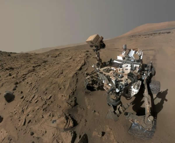 好奇号造价达到了25亿美元,是美国宇航局最先进的火星车