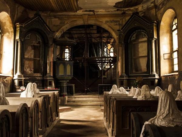 """""""幽灵""""救了捷克Lukova的圣乔治教堂"""