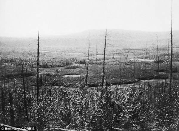 一些火流星会在上层大气层爆炸。如果体积足够大,它们会导致巨大破坏,例如106年前的通古斯大爆炸。1908年6月30日,俄罗斯通古斯河上空发生大爆炸,据信由一颗小