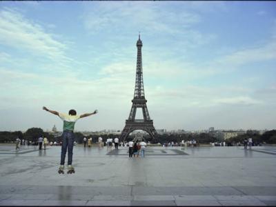 法国艾菲尔铁塔:走过125年