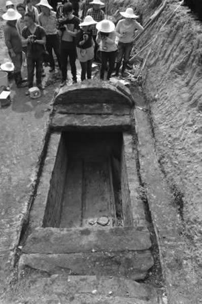 胡夫人墓穴