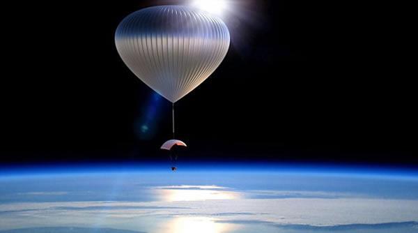 这种太空气球到达地球边缘之后将借助翼伞漂浮2小时左右,然后返回地球。