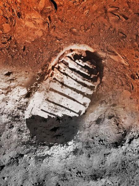 45年前,美国宇航员尼尔·阿姆斯特朗在月球表面踏出人类的第一步,他的一小步改变了人类的历史。而现在,我们正站在崭新的起点,我们即将迈开新的一大步——向着太阳系的