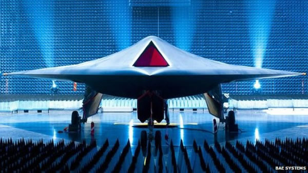 """英国BAE系统公司生产的""""雷神""""无人战斗机"""