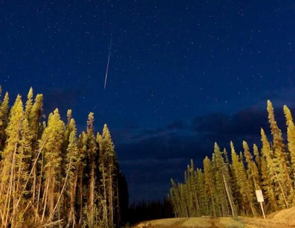 2014年7月30日摄于加拿大不列颠哥伦比亚的英仙座流星雨