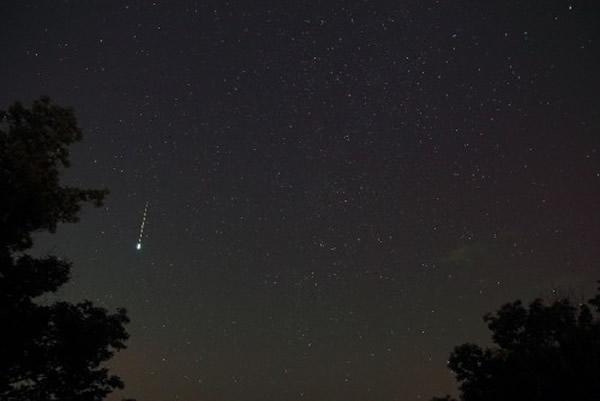 2014年8月1日摄于美国密苏里州的英仙座火流星