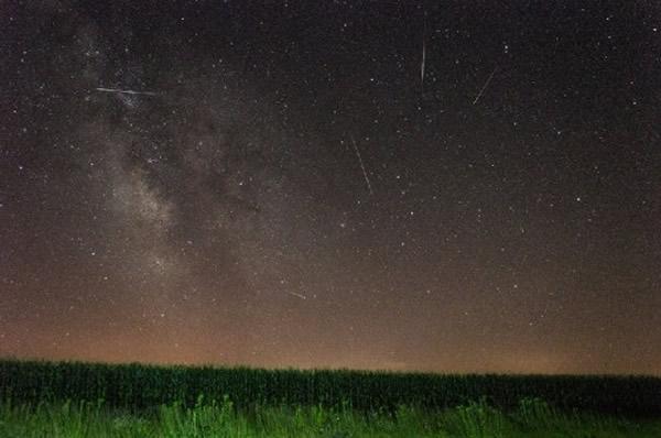2014年7月27日摄于美国爱荷华州的英仙座流星雨