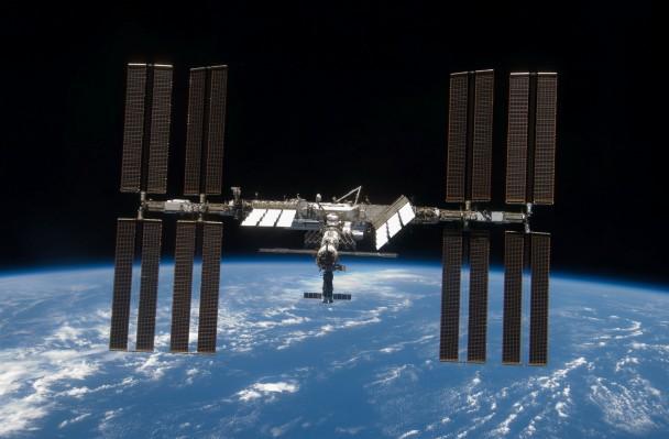 俄罗斯宇航员在国际空间站外壁意外发现海洋浮游生物