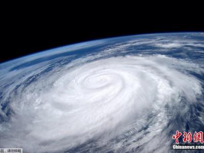 国际空间站发布飓风玛丽的太空照片