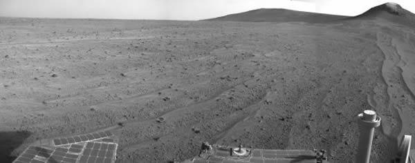 这张图像由美国宇航局机遇号火星车拍摄,时间是在登陆火星弟3749天(2014年8月10日)
