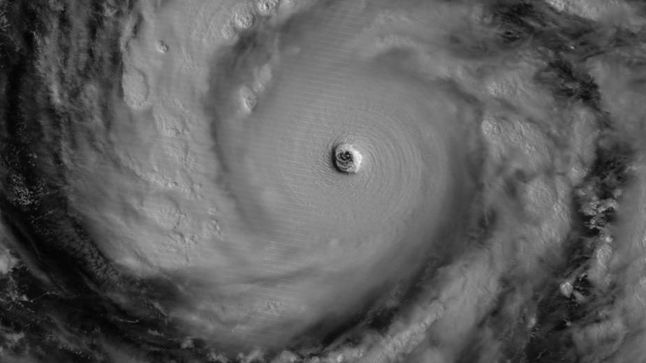 """国际空间站宇航员拍摄超强台风""""黄蜂""""壮观景象"""