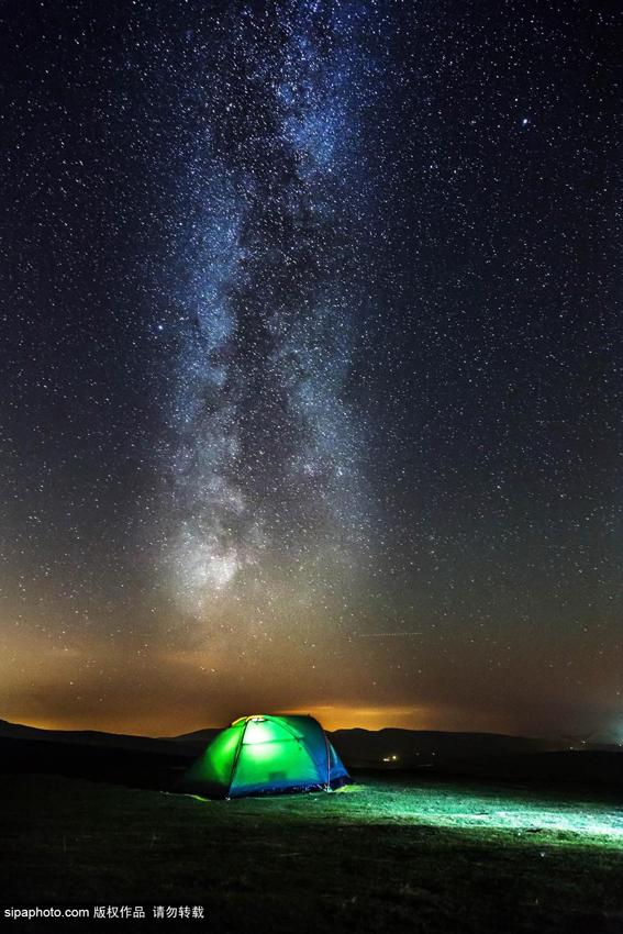 英格兰坎布里亚郡伊甸谷拍摄的绝美银河