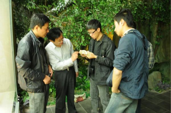 中科院古脊椎动物与古人类研究所专家考察宿迁市新沂河古生物遗址