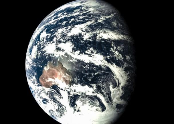 再入返回飞行试验器拍摄的地球
