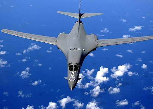 有人建议改装B-1B轰炸机来制作浮空母舰。