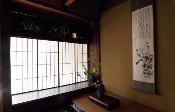 和纸可用于制作纸窗及挂画。