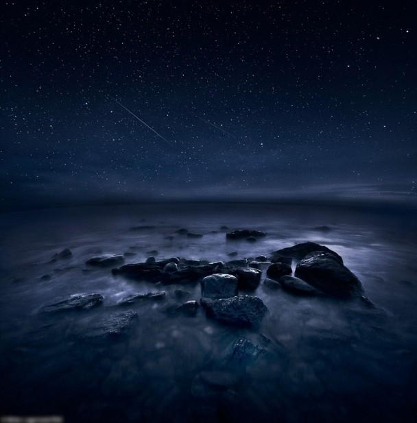 拉格斯泰特拍摄期间,有流星划破夜空。